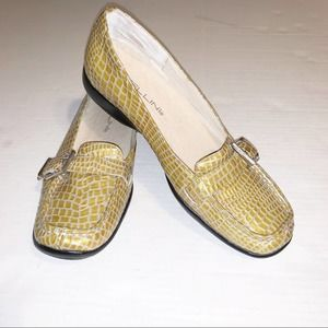 BELLINI LOAFERS Size 6